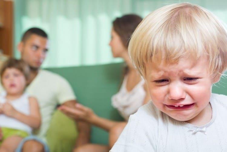 Провоцируют заболевание бактерии, но на его продолжительность и течение прямо влияет иммунитет, эмоциональное состояние ребенка.
