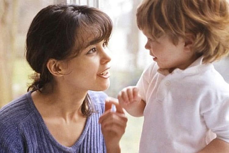 очень важно искать компромисс с малышом, стараться с ним договориться, объяснять свои действия.