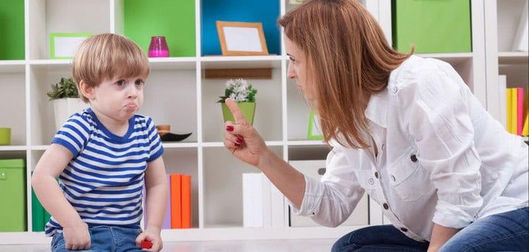 Кризис трехлетнего возраста у ребенка пережить будет легче, если не ставить малыша перед постоянными запретами.