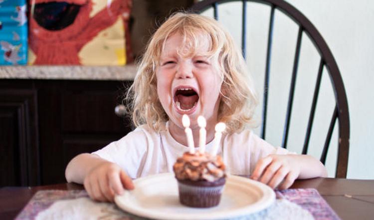 кризис трех лет у ребенка может начаться уже приблизительно в 2,5 года.