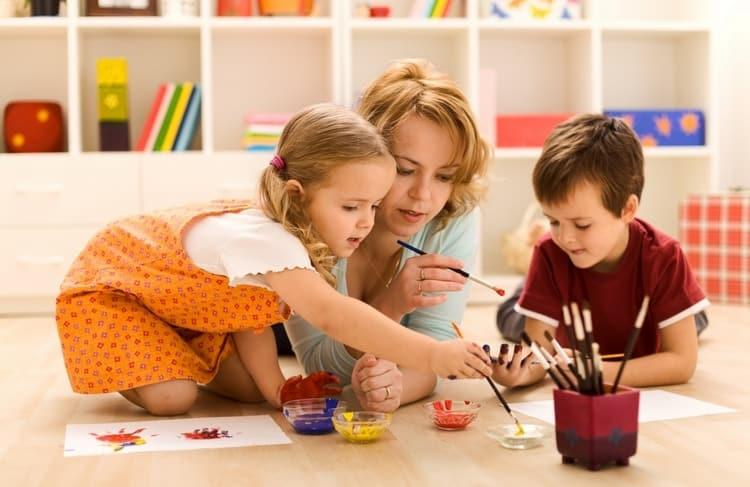 Нельзя перегружать пятилеток обучением, для них еще важно игра.