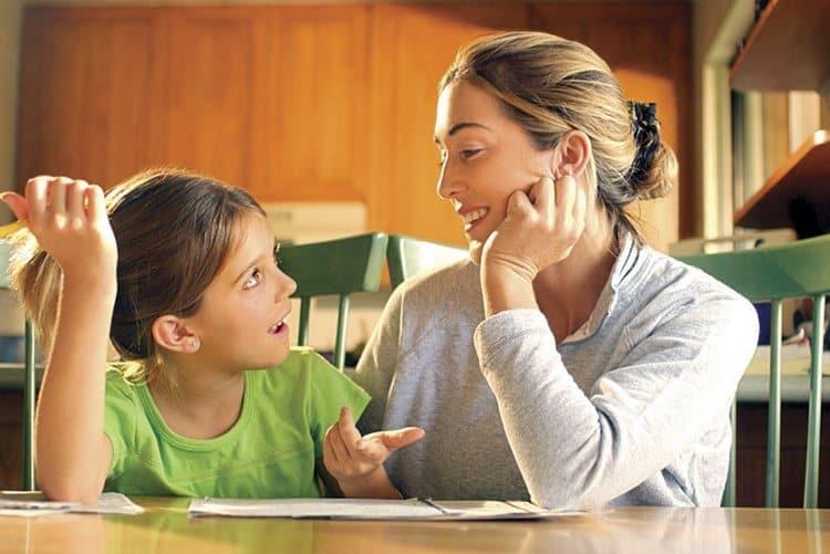 Старайтесь прислушиваться к мнению ребенка, чтобы придать ему уверенности в собственных силах.