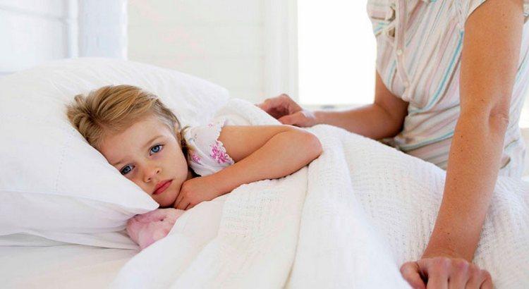 При лечении инфекционного мононуклеоза у детей очень важно соблюдать все клинические рекомендации.
