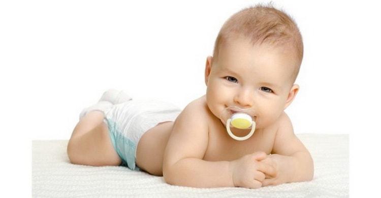 за и против использования пустышки для новорожденного