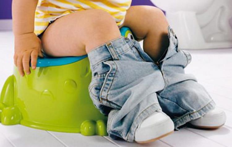 Среди побочных эффектов от препарата отмечаются нарушения стула.