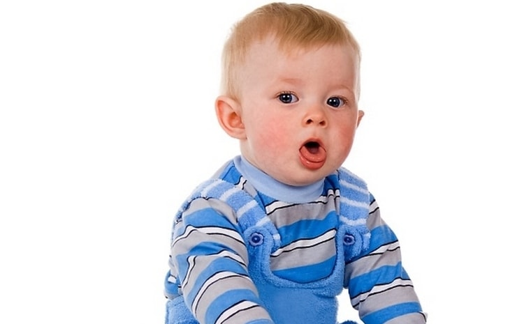 Немного отличаются симптомы вирусной пневмонии у детей.