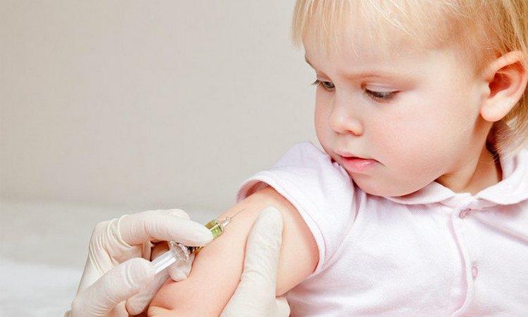 неплохой профилактикой пневмонии является своевременная вакцинация от гриппа и гемофильной инфекцйии.