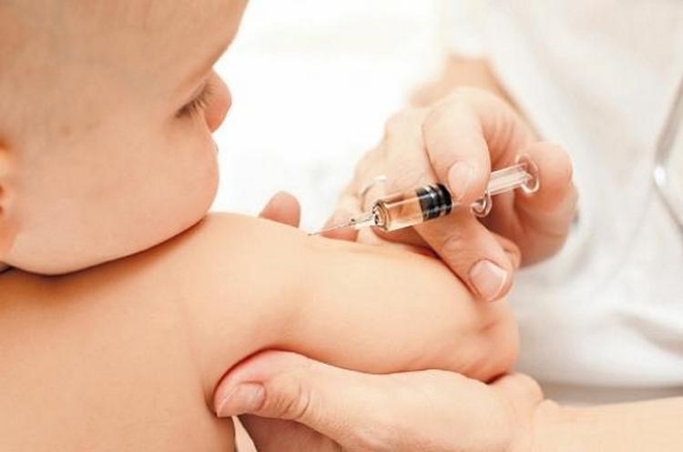 Слабые проявления недуга не являются противопоказаниями к вакцинации.