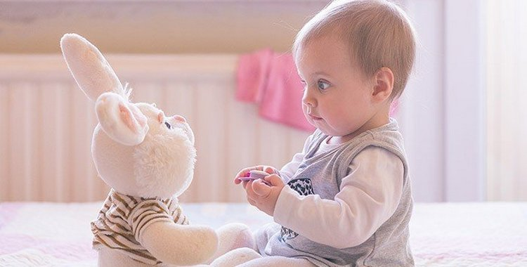 Режим дня ребенка в 10 месяцев: как установить