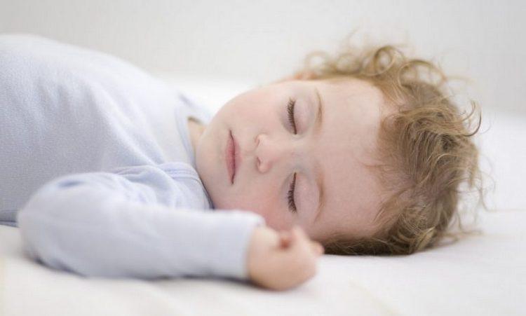 если же ребенок хорошо высыпается, он потом и гулять будет с настроением, и кушать с аппетитом.