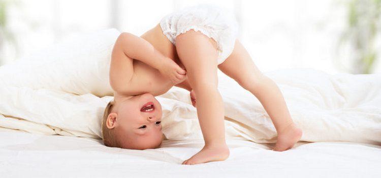 Как известно, распорядок дня 7-месячного малыша не может быть очень строгим, но все же есть основные нюансы, требующие соблюдения.