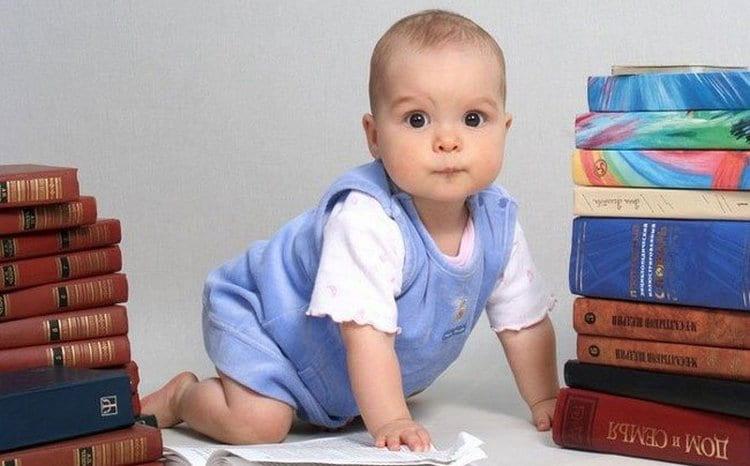 Поговорим о том, каким должен быть режим ребенка в 7 месяцев и как правильно устроить распорядок дня.
