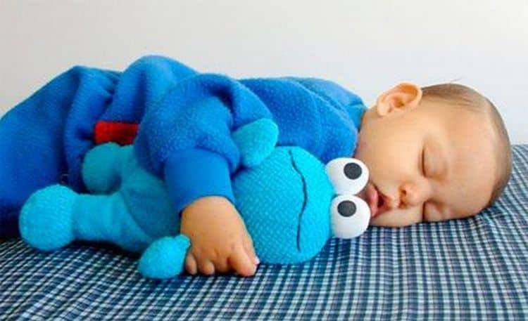 Сон ребенка в 7 месяцев требует правильного подхода, если вы хотите, чтобы он был крепким и спокойным.