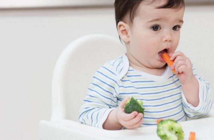 малышу уже можно кушать достаточно много разнообразных овощей.