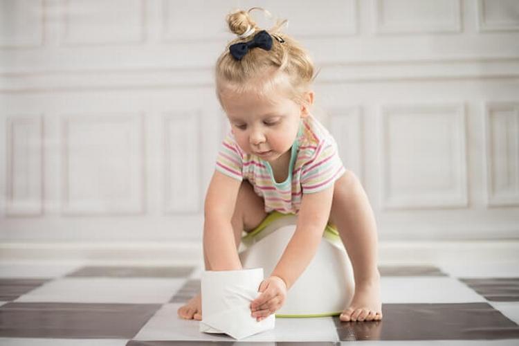 рвота, понос и температура у ребенка могут быть симптомами очень опасного состояния.