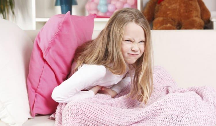 То, что дать ребенку при рвоте и поносе, зависит и от возраста вашего чада.