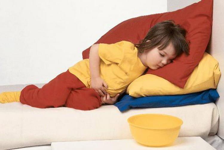 Очень важно знать, что делать, если у ребенка рвота, понос и температура.