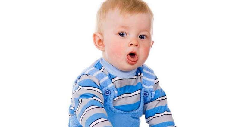 Лечение влажного кашля у детей раннего возраста должно проводиться строго под наблюдением врача.