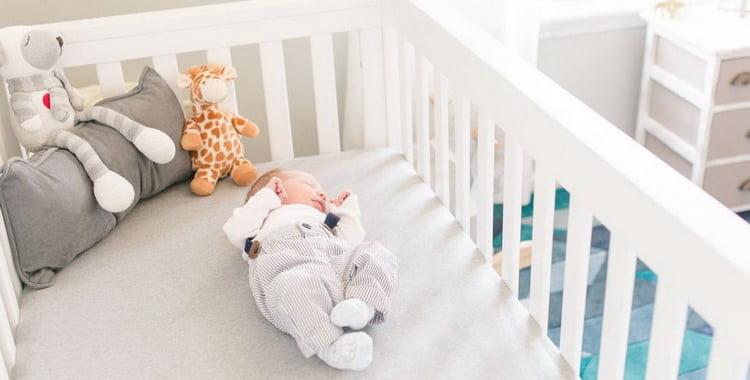 Матрас для новорожденного: какой лучше выбрать