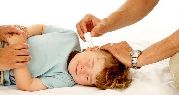 Лучшие способы чем можно лечить отит у ребенка