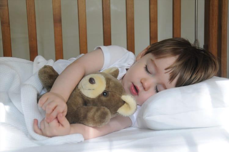 Если день малыша наполнить правильно, то и вечером он с удовольствием отправиться в постельку отдыхать.
