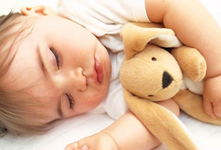 Очень важно постараться выстроить правильный график ребенка в 1 год, поскольку это непосредственно влияет на его физическое и интеллектуальное развитие.