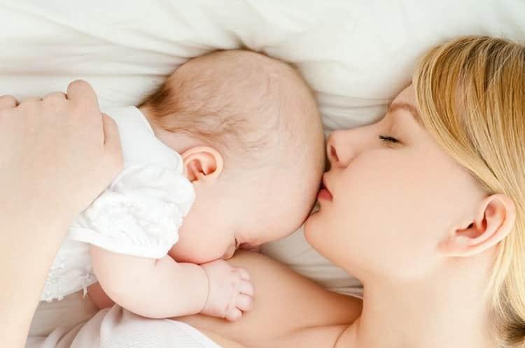 Как лечить прыщи на лице у новорожденных в месяц