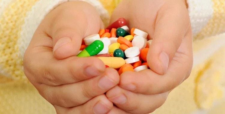 Антибиотики широкого спектра для детей: список, когда принимать