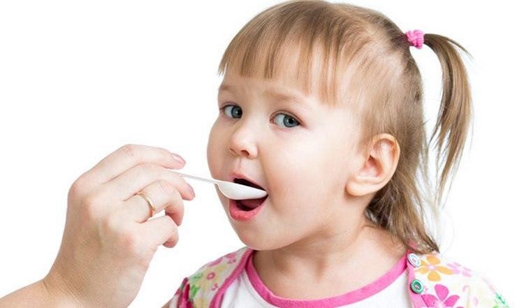 В целях профилактики деткам-ацетоникам полезно давать витамины.