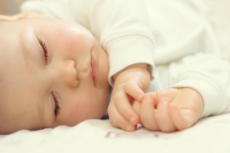 очень важное значение имеет сон малыша.