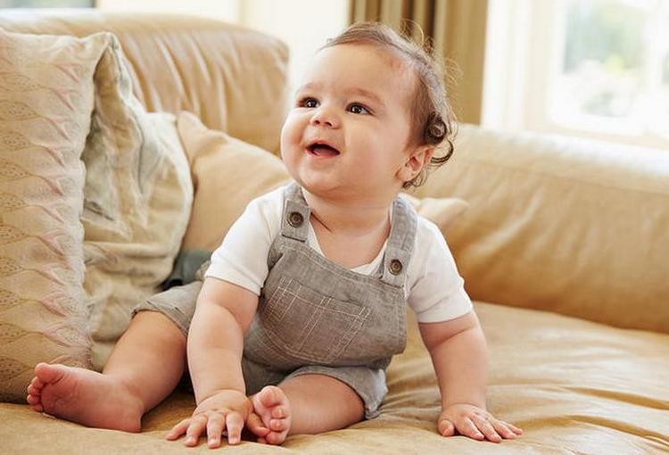 Узнайте, что должен уметь ребенок в 6 месяцев в плане развития.