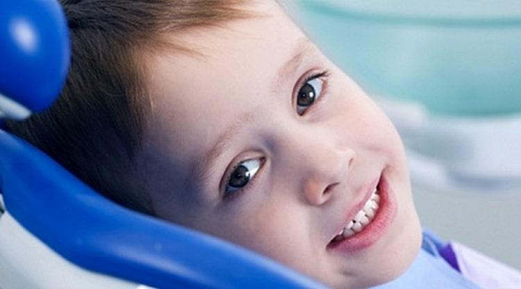 Очень важно понимать, что состояние молочных зубов ребенка напрямую влияет на его будущие постоянные зубки.