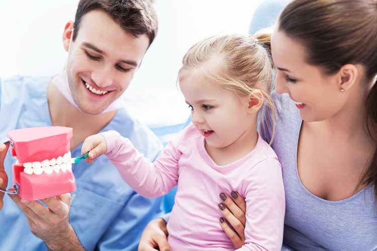 Как не травмировать психику ребенка при удалении зуба