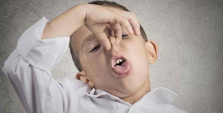 Запах изо рта у ребенка: причины