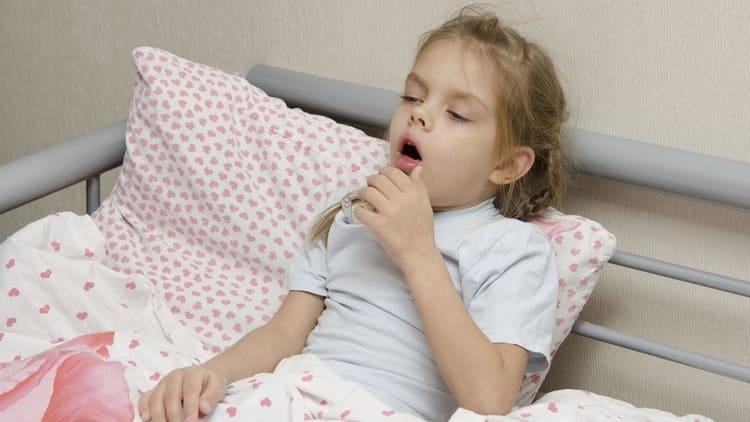 Согласно инструкции, сироп от кашля Геделикс для детей нужно принимать еще 2-3 дня после облегчения состояния ребенка.