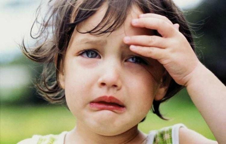 Среди побочных эффектов препарата можно отметить головную боль.