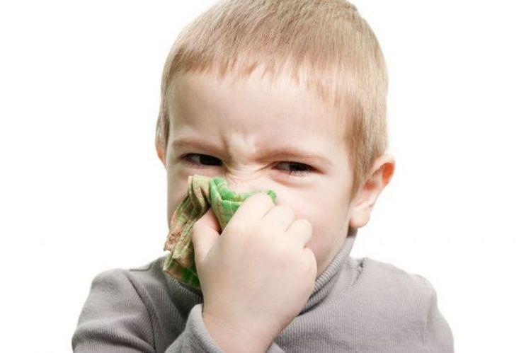 Согласно инструкции, Полидекса для детей в нос назначается при гайморите, в после-и перед-операционный период.