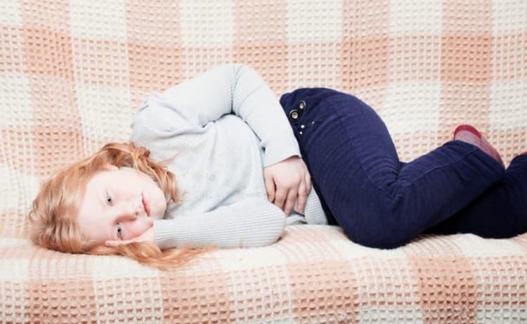 Фуразолидон детям до 3 лет дают в суспензии, а старшим деткам можно пить таблетки.