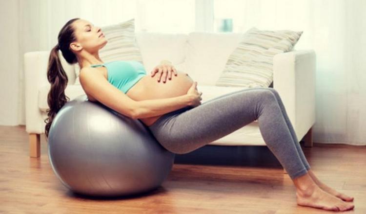 Помните, что в 3 триместре упражнения не должны вас нагружать.
