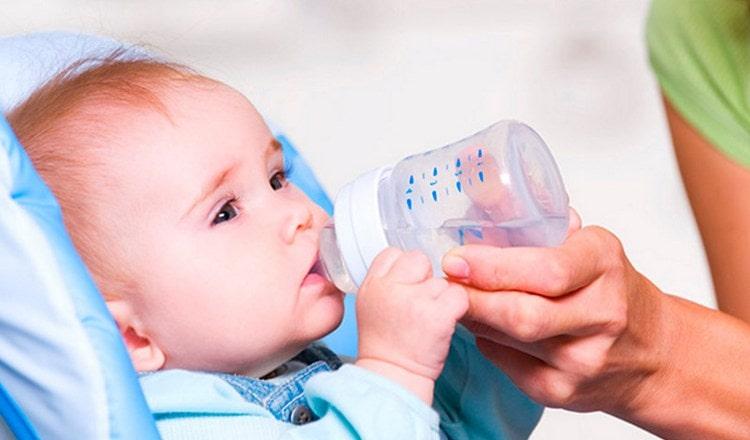 помните о том, что детки-искусственники нуждаются в допаивании водой.
