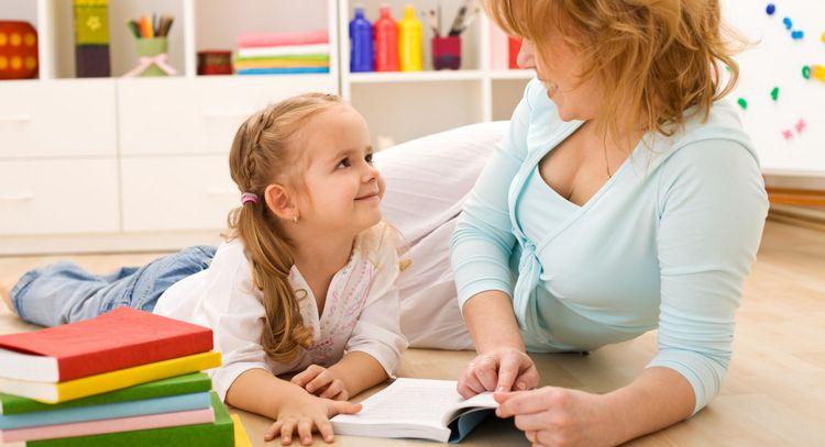 Узнайте, как научить ребенка бегло читать.