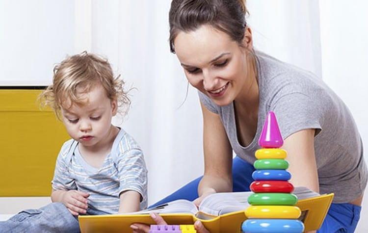 Если вас интересует, как научить ребенка читать в 3 года, убедитесь, что для него не слишком рано.