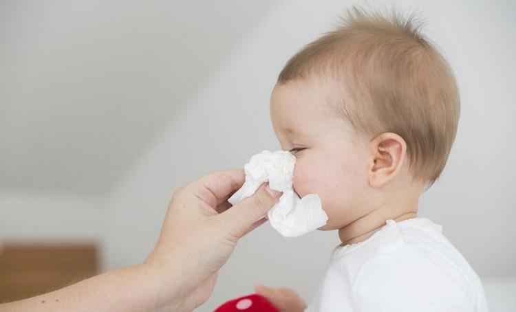 Есть разные капли в нос для детей, и важно знать, какой именно препарат нужен вашему ребенку.