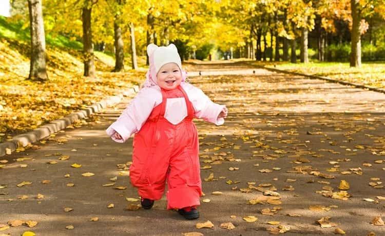для профилактики важно заботиться не только о полноценном питании малыша, но уделять достаточно времени прогулках на свежем воздухе, физической активности.