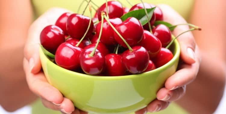 Какие есть витамины в черешне для беременных. Польза черешни при беременности