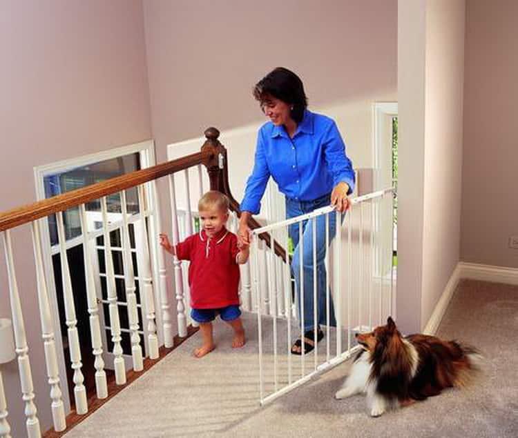 Безопасность при обучении ребенка хождению