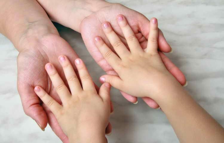 как отучить ребенка грызть ногти