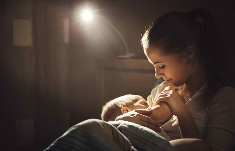 Правильно отучить ребенка от бутылочки ночью