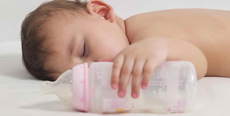 Как легко отучить ребенка от бутылочки